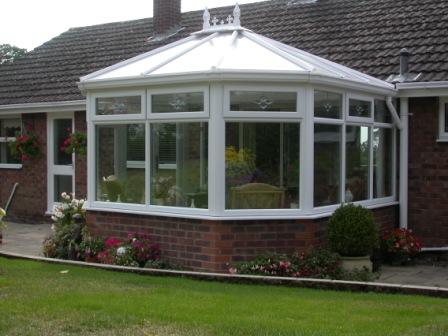 Victorian Conservatories - Three Facet Victorian Conservatory on a Bungalow, Hipped Back Version